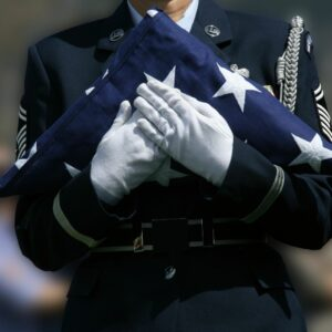 Honorably discharged veterans and active servicemen are entitled to burial rights